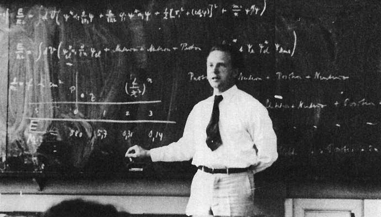 Werner Heisenberg muhtemelen kuantum mekaniği hakkında ders verirken...