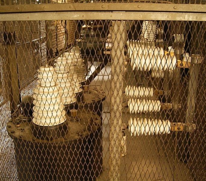 Bir enerji santralinde Faraday kafesi