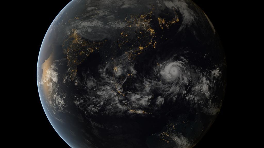 Haiyan tayfunu Filipinler'e doğru ilerlerken.  Copyright 2013 JMA/EUMETSAT