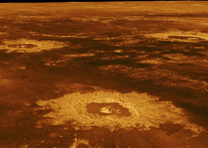 NASA'nın Magellan isimli uzay aracının 29 Mayıs 1991 tarihli görüntüsü. Fotoğrafta bir krater tarlası görünüyor. Credit: NASA/JPL