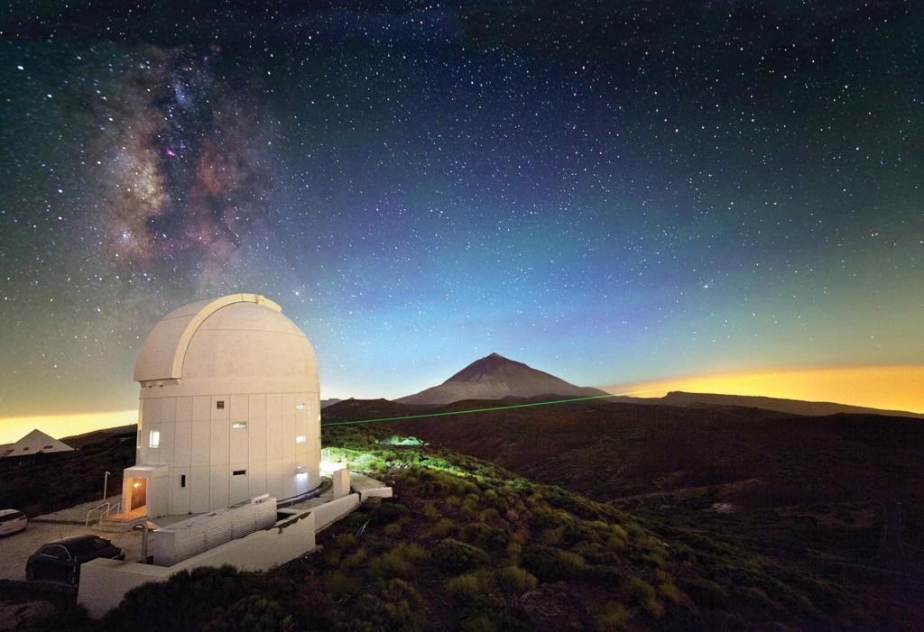 Kanarya Adaları'nda Tenerife'de bulunan Avrupa Uzay Ajansı'nın Optik Yer İstasyonu NASA'nın en yeni Ay yörünge aracı ile laser yoluyla iletişim kurabiliyor. . IQOQI Vienna, Austrian Academy of Sciences/ESA