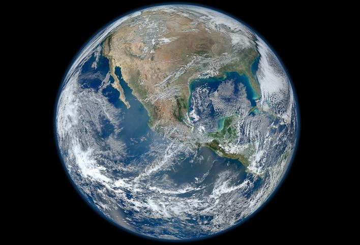 Bir NASA uydusunun gerçek renkli Dünya fotoğrafı. Credit: NASA