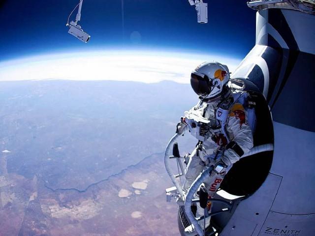 felix-baumgartner-uzayatlayışı
