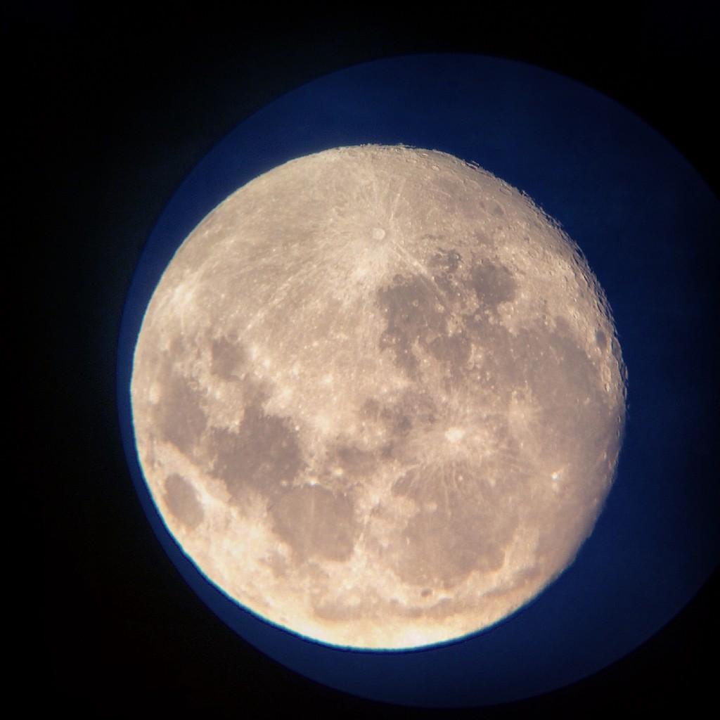 Daha önceki bir yılda yakalanan Süper Ay görüntüsü. Photo: Murat Yatağan