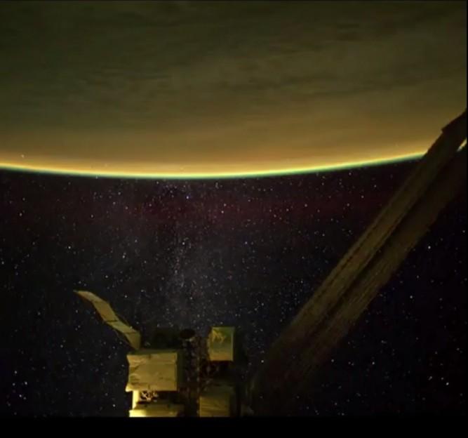 samanyolu-uzayistasyonu