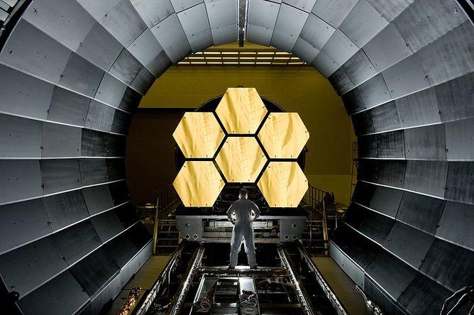 James Webb Uzay Teleskobu'nun 2018 yılında uzaya fırlatılması bekleniyor.