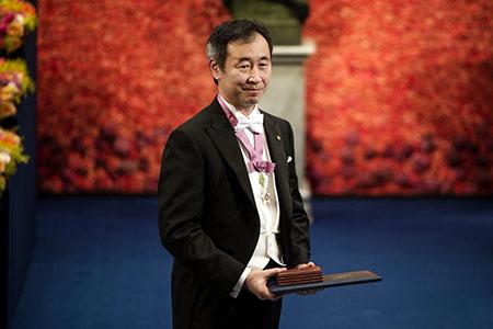 Prof. Dr. Takaaki Kajita 2015 Nobel ödülü seremonisi sırasında.